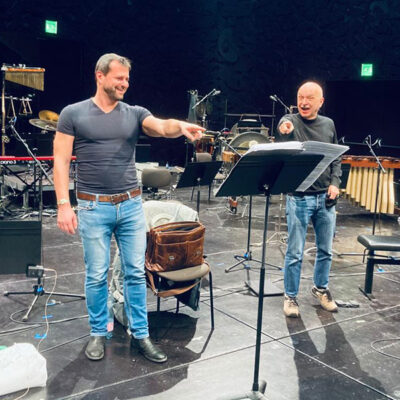 Holger Falk sings the worldpremiere of Berhard Lang´s Songbook 2 in the new version for Baritone and Ensemble